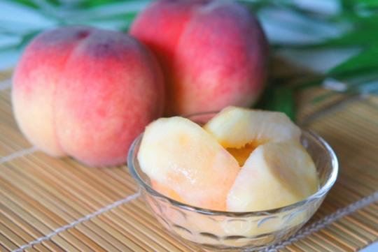 桃のイメージ写真
