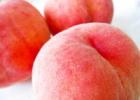 加納岩の桃